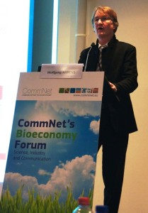 Prof Wolfgang Ahrens presents the I.Family entry at the CommNet Impact Awards